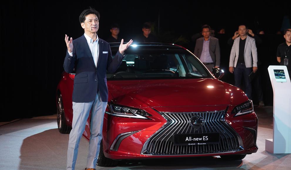 A New And Sharper Lexus ES