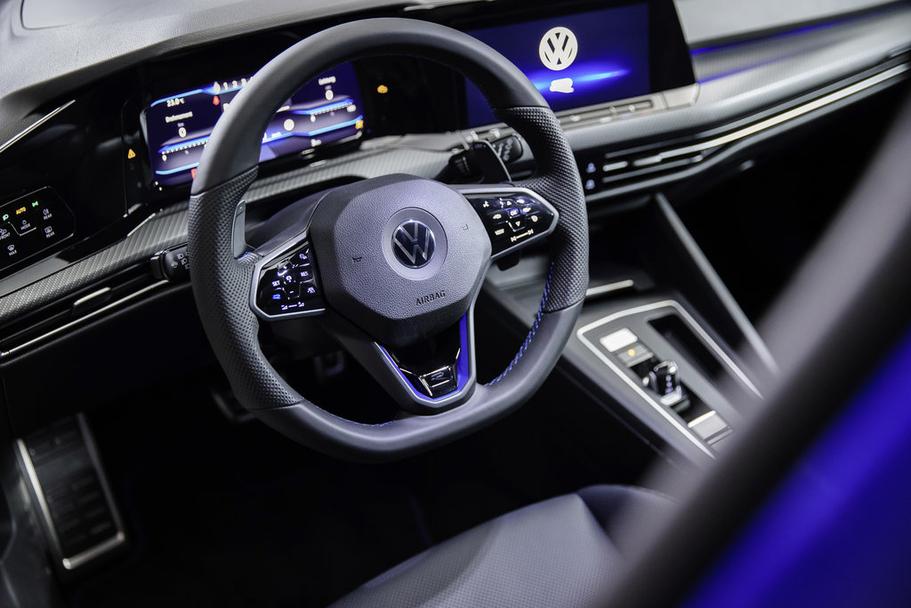 new VW Golf R
